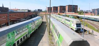 Junia Turun rautatieasemalla